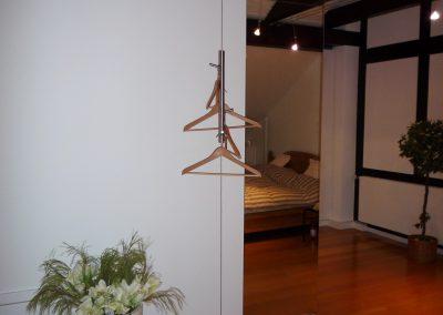 leichte Garderobe mit Edelstahlseil