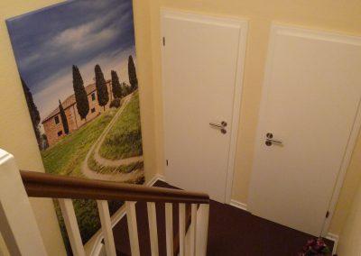 Treppenaufgang mit Digitaldruck-Leinwand