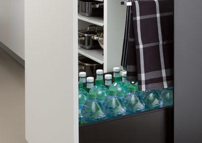 Schwerlastauszug für Flaschen mit Handtuchhalter